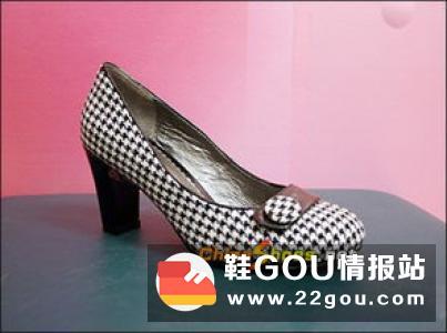 中国鞋网:选购女鞋的15个注意事项